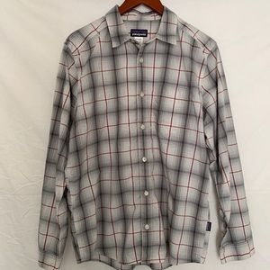 Patagonia | Men's Plaid Button Down Size Med.